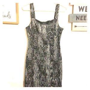 Dresses & Skirts - Snake skin print dress